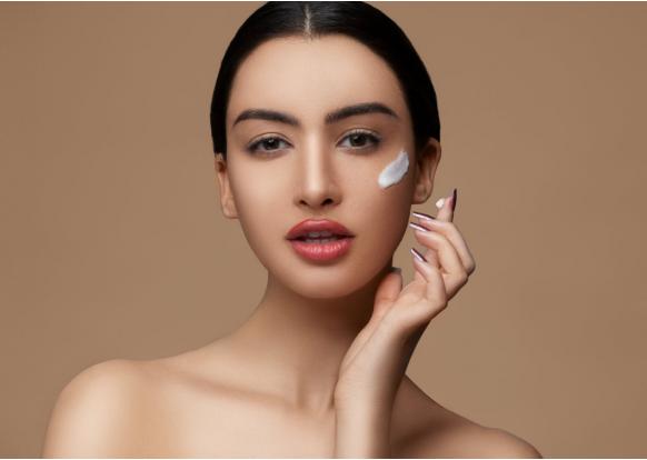 Purificare e prendersi cura della pelle prima del make-up: come fare